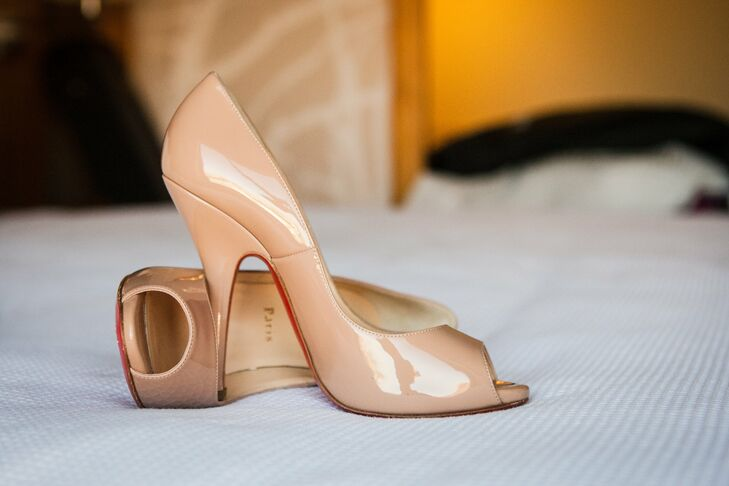 Laura wore classic nude Christian Louboutin high heels to complete her bridal look.