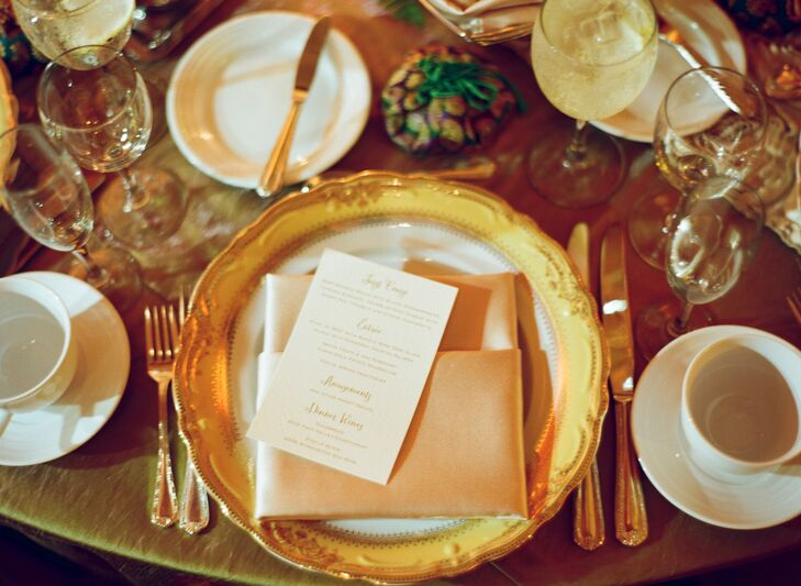 Sparkly gold and cream add an elegant touch to the table settings.