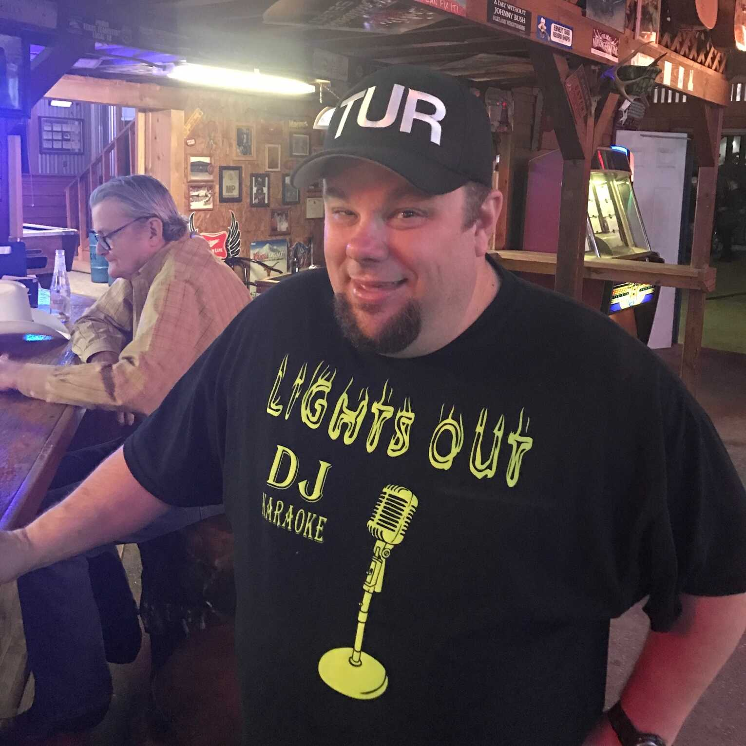 LIGHTS OUT DJ/KARAOKE, profile image