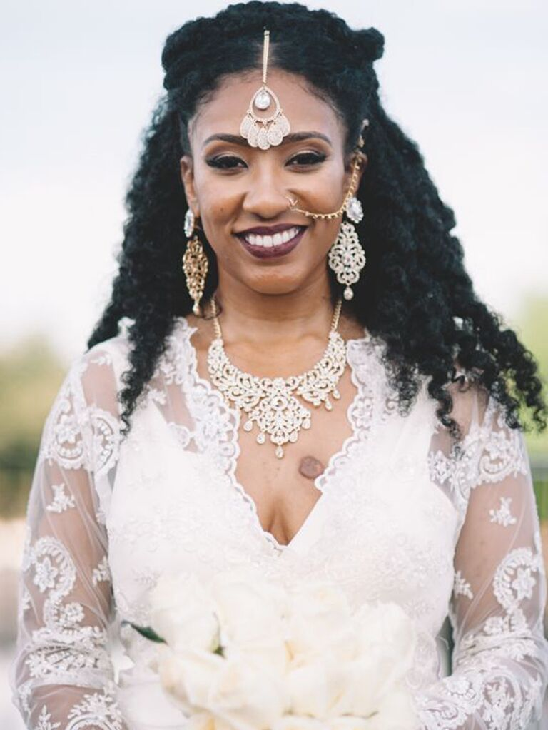 ornate, elegant bridal necklace, earrings and headpiece