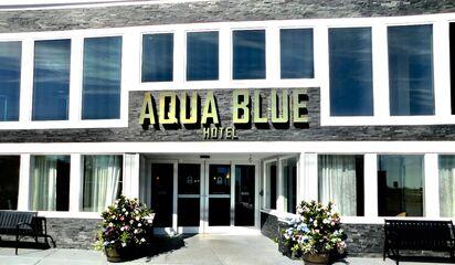 Rhode Island Narragansett Aqua Blue Hotel Front Photo