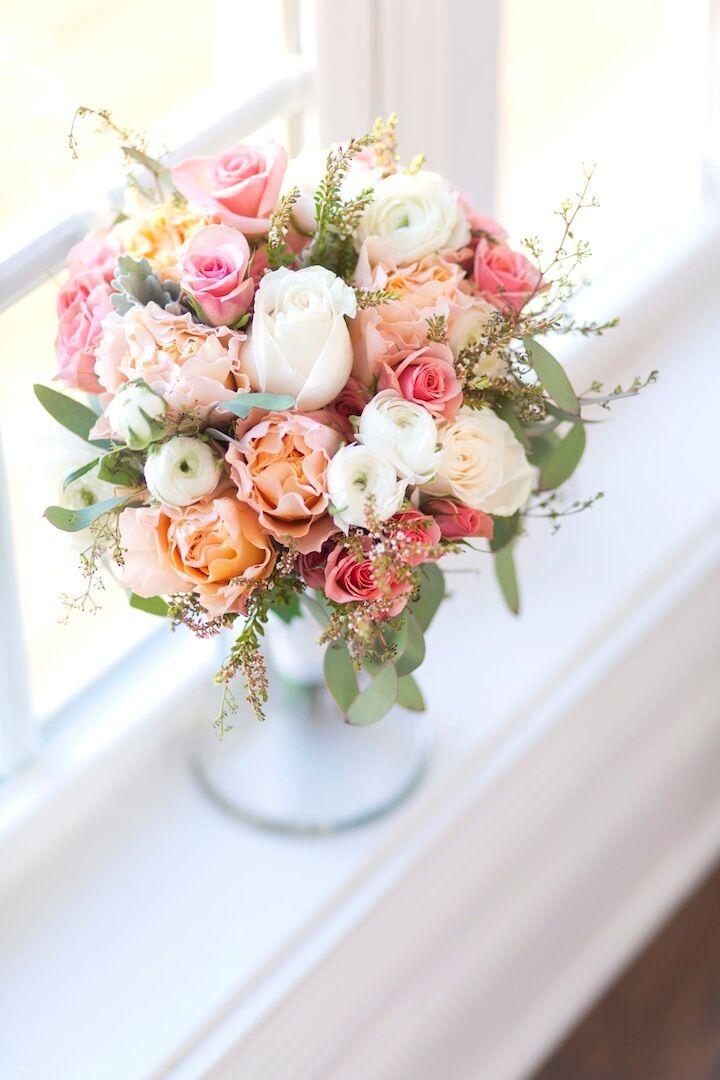 Peach Garden Rose and Ranunculus Bouquet