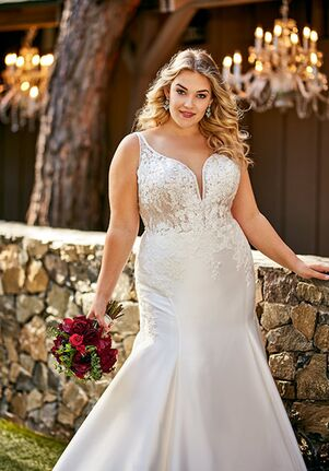 Essense of Australia D2675+ Wedding Dress