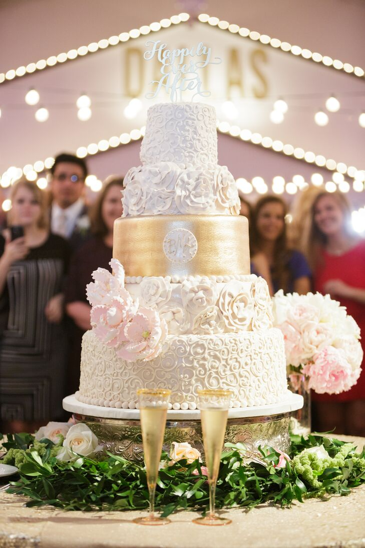 This Five Tiered Wedding Cake By Frosted Art Is Simply Breathtaking Tiers Of Intricate
