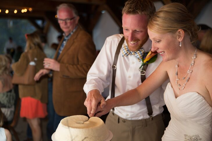 Sarah and Greg enjoyed a one-tier angel food cake that was made by the couple's sister-in-law.