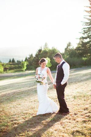 Simple, Rustic Pacific Northwest Outdoor Wedding