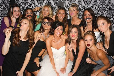 Simple Snapshots Photo Booth Service