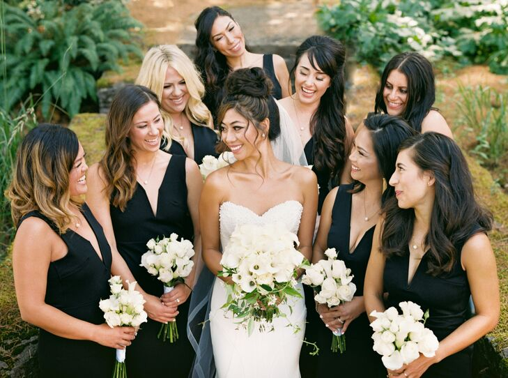 Elegant Black V-Neck Bridesmaid Dresses