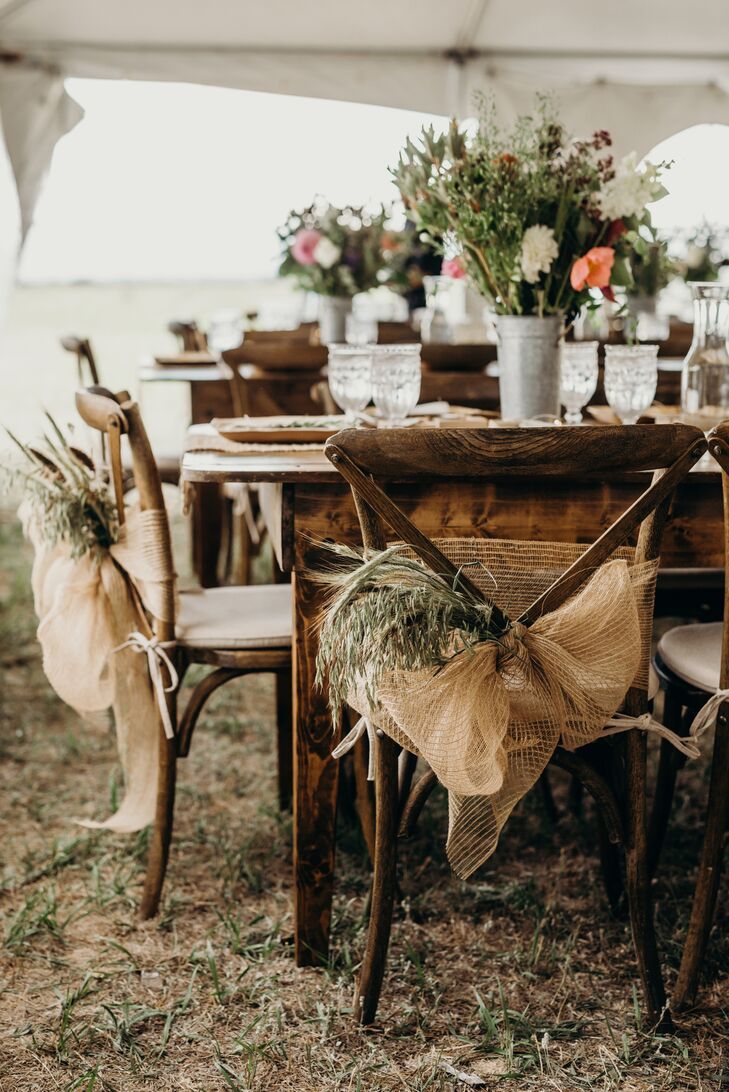 Casual and Rustic Wood Dining Tables
