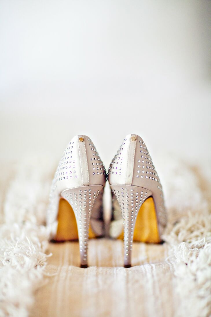 The bride glammed up her look with rhinestone-studded, nude stilettos.