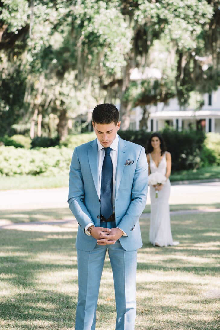 In a nod to the South Carolina location, Michael wore a lightweight custom blue suit accented with a patterned pocket square and brown shoes.