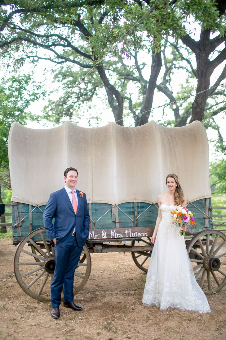 In true Texas fashion, Lauren Strange (30 and a talent management consultant) and William Hutson (31 and an air traffic control professional) met in a