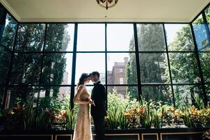 Well Under The New York City Manhattan Wedding Budget And Over National Average Of 28 427 Chicago Planners Have A Lot