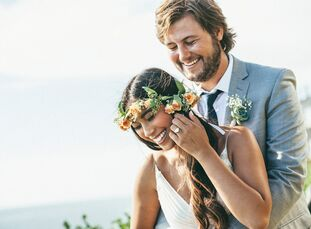 Guests were transported back in time to California in the 1960s at this bohemian-chic wedding with a beach twist, decorated in almost all DIY details.