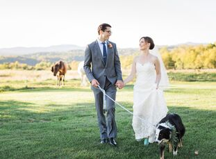 The barn at the Inn at Mountain View Farm offered a bit of a history lesson for Annie and Drew's autumn wedding. Once a functioning barn, the inn stil