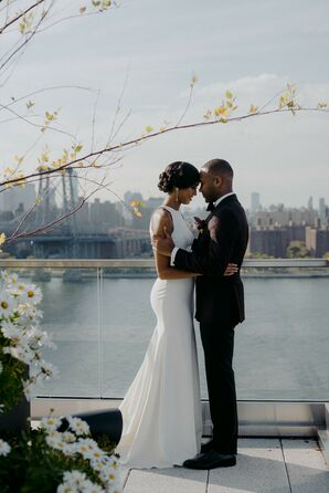 Brooklyn Couples Shares First Look with Skyline Views