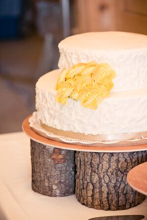 Rustic Buttercream Cake with Wood Stand