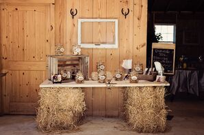 Ruseitc Hay Bale Table