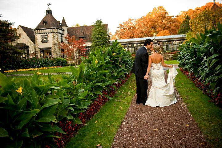 Top Garden Wedding Trends: Pleasantdale Chateau