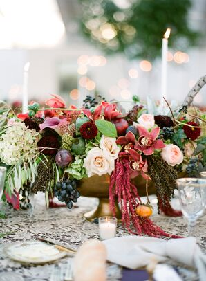 Fall-Themed Centerpiece with Roses and Amaranthus