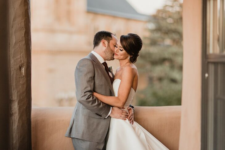 """Natalie Harding and Jason Fried celebrated the southwestern United States with their colorful, romantic wedding in Santa Fe, New Mexico. """"The color pa"""