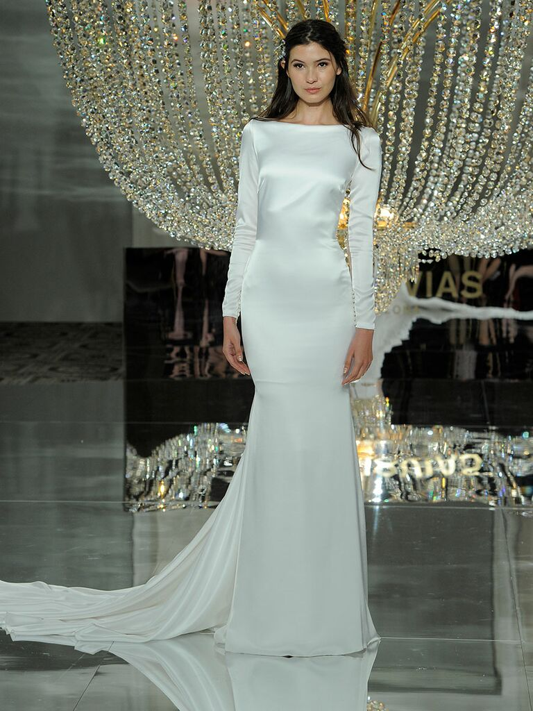 Pronovias Fall 2018 Collection: Bridal Fashion Week Photos