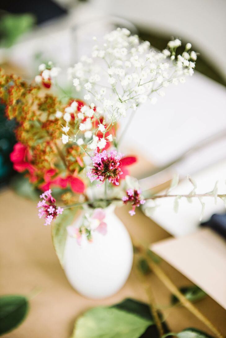 Simple Centerpieces with Baby's Breath and Small Flowers