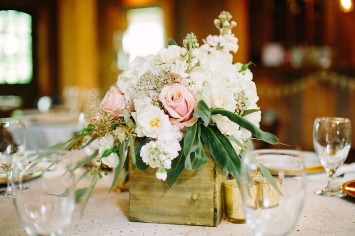 Rustic Flower-Box Centerpiece With Roses and Stock