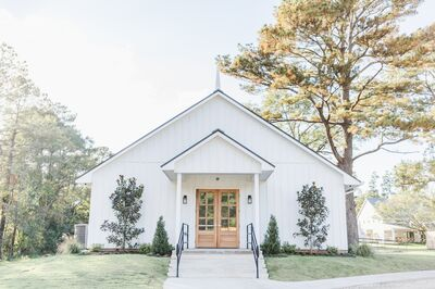 Addison Woods Wedding and Event Venue