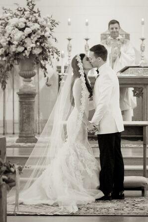 Cuban Bride Lace-Lined Cathedral Mantilla Veil