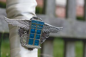 """""""Doctor Who"""" Pin on Bouquet Wrap"""