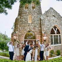 Spinelli's Hill country Indoor outdoor wedding Facility