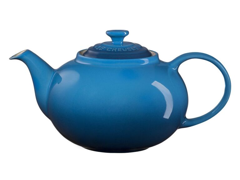 Le Creuset teapot birthday gift for mother-in-law