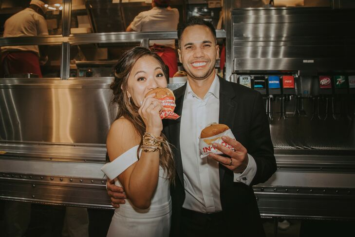 Late-Night Burger Snacks at Wedding  in Rolling Hills Estates, California