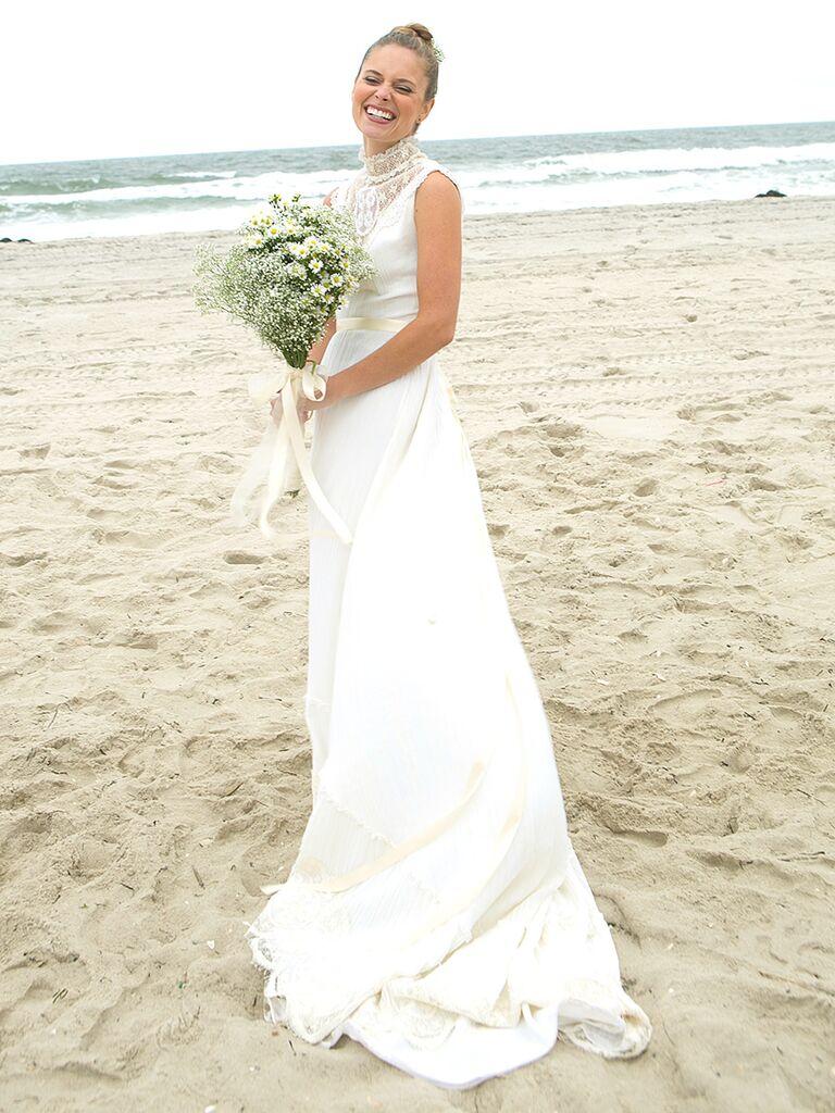 16 Simple Beach Wedding Dresses
