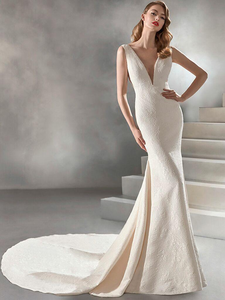 Atelier Provonias wedding dress jacquard trumpet gown