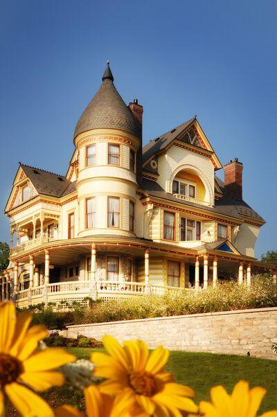 Queen Anne Mansion and Resort