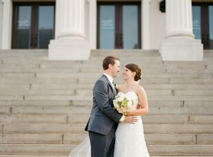 Allie in Kyle celebrated their marriage at the Certus Loft in Greenville, SC with elegant touches of navy and white.