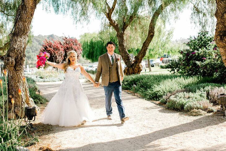 Rustic Bride and Groom at Greengate Ranch & Vineyard