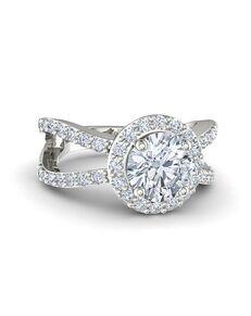 Gemvara - Customized Engagement Rings Glamorous Round Cut Engagement Ring