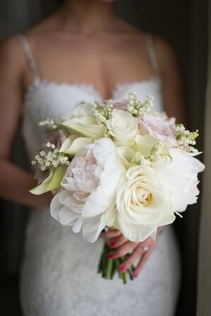 Simple Bouquet With Peonies, Roses and Calla Lilies