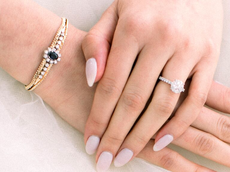 Bride with light pink nails