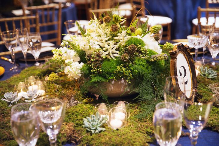 """Living in Chicago and starting business school, Linsey knew that she needed the help of a planner. Kristin Weis of  Kristin Ashley Events was instrumental in excuting the couple's vision and ensuring the planning process was easy and stress-free. """"I would consider myself extremely organized, but there are a million and one things that come up at the last minute that you simply can't prepare for. Rather than letting these things impede upon your day or burdening your friends and family, a professional can handle these things with ease,"""" says Linsey."""