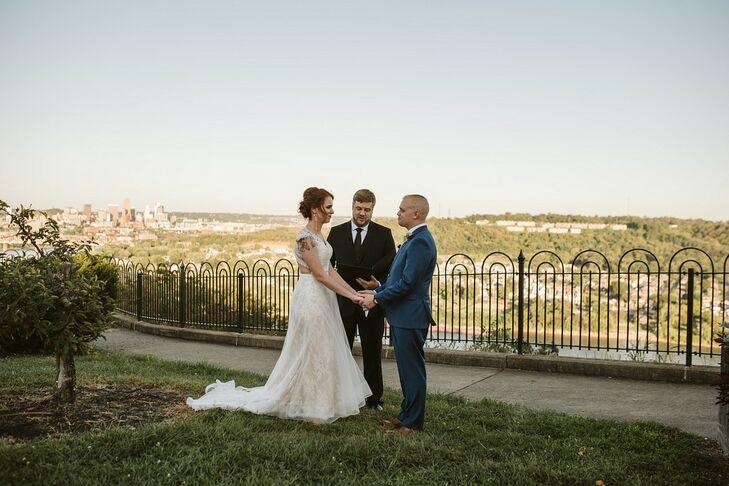 Simple Elopement Ceremony at Mt. Echo Park in Cincinnati, Ohio
