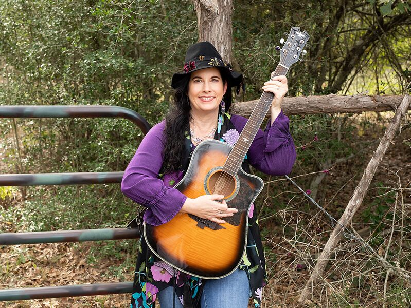 Suzanne's Band-Singer/Acoustic Guitar/Keys - Acoustic Guitarist - Houston, TX