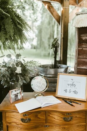 Country-Chic Wedding Reception Décor, Guest Book