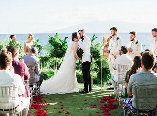 Wanting to avoid a traditional wedding, Jessica Noordman and Andrew Ashbury had a tropical celebration at Sheraton Maui Resort and Spa in Hawaii. The