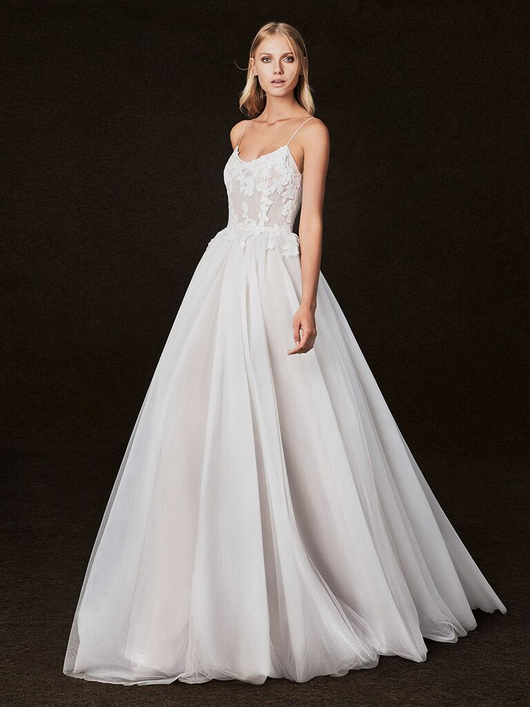 Victoria Kyriakides Fall 2017 Lace Scoop Neckline Ballerina Bodice Wedding Dress With Full Skirt