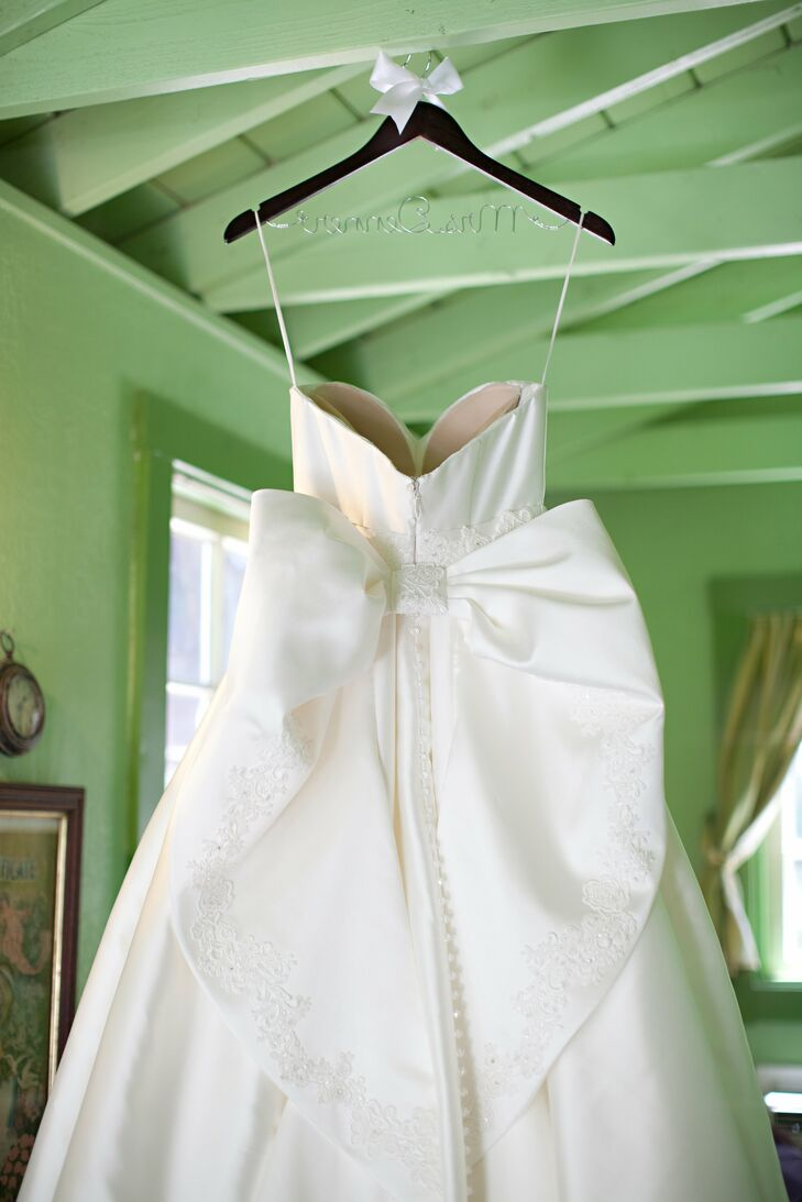 Daryl-Ann's elegant gown featured a large, lovely bow on the back.