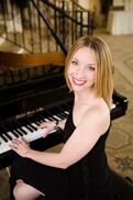 Boston, MA Singing Pianist | Yvonne Aubert